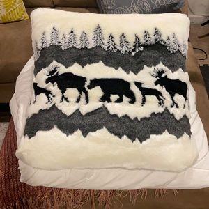 Sherpa nature pillows